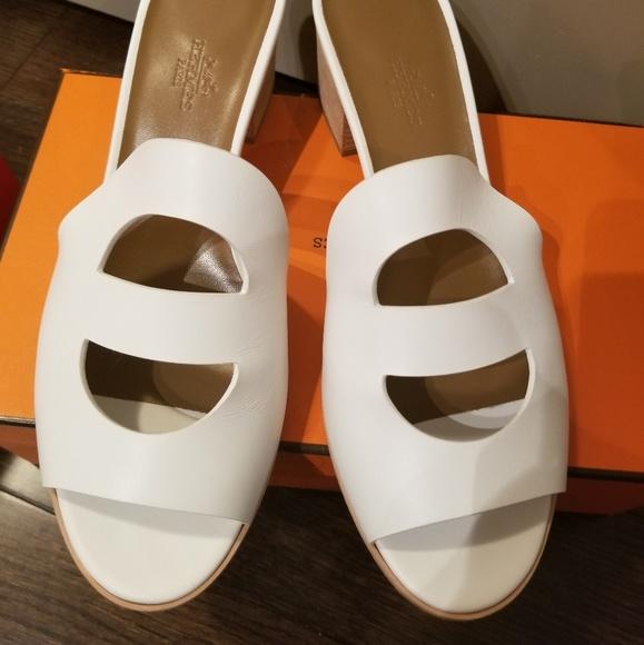 0f45bbefba48 Hermes mona sandal